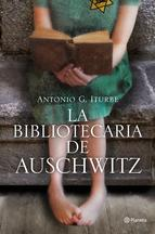 Portada del libro La bibliotecaria de Auschwitz